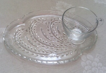 Glass luncheon plate/cup
