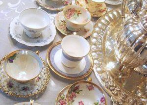 Bone China Tea Cups & Saucers